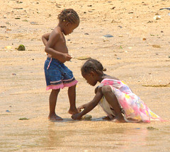 sorelle (giulifff) Tags: sisters madagascar dolcezza sorelle nosykomba explore335 nikond80