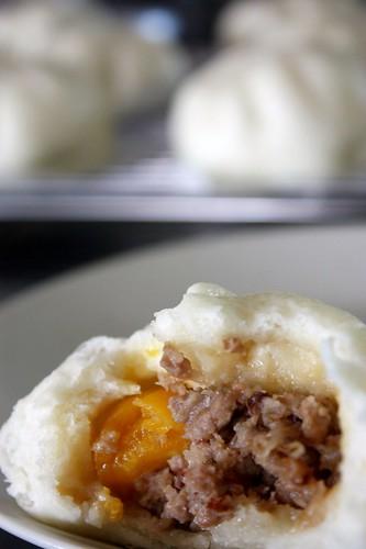 蛋黃肉燥包