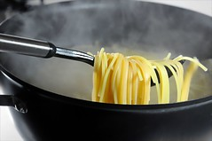 Al Dente (floralgal) Tags: stilllife food cooking dinner italian meals pasta steam pot stove carbs supper spaghetti stovetop steamy boilingwater productphotography italiandinner flickrdiamond potofboilingwater steamingspaghetti spoonandpot potofspaghetti