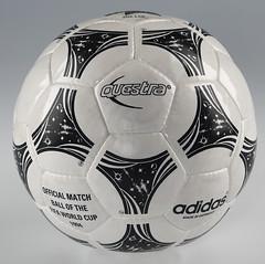Balón Mundial futbol 1994 Questra