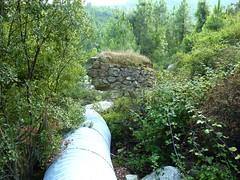 SSente RG du ruisseau de Sainte-Lucie : pont et piste detruits peu après le départ