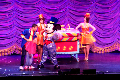 110414 Mickey Mouse Magic Show 17