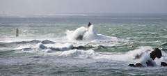 Phare de la Vieille (Lolo_) Tags: lighthouse bretagne sein vague raz tempête 2014 vielle iroise