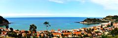 Paseo de Ribadesella 2 (cogozalez1) Tags: asturias arquitectura españa edificios holidays indianos orientedeasturias oriente panoramica spain sxxi zonaorientaldeasturias vacaciones agosto paisaje playa azul sand beach