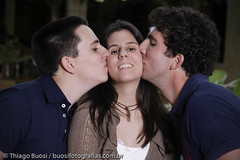 marinomelini_0411 (BuosiFotografias) Tags: beijo irmão irmãos mariananomelinisessãodefotosamigosefamília12082009
