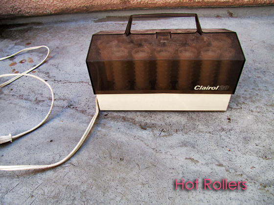 Hot-Rollers-Clairol-1970s