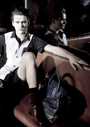 Simon Nessman040_U Magazine(modo models)