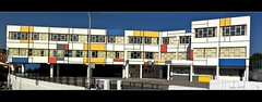 Colegio Pblico La Canal (Luanco, Asturias). Homenaje a Mondrian. (Jaime GF) Tags: nikon asturias luanco gozn d40 aboutiberia colegiolacanal