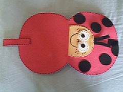 Joaninha_exterior (Mónica [Artes MR]) Tags: artesanato feltro bolsa molde joaninha costura