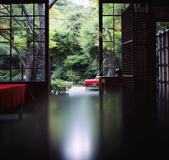 (yocca) Tags: reflection film topf25 japan t kyoto kodak 100v10f hasselblad arashiyama villa   teahouse 2009 1000views 500cm carlzeiss 2000views  plannar 100favs ektar100 oct2009 reflectionlove