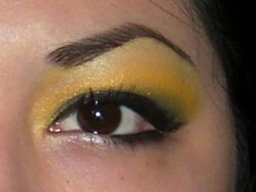 Blacksunshine Yellow Eyeshadow