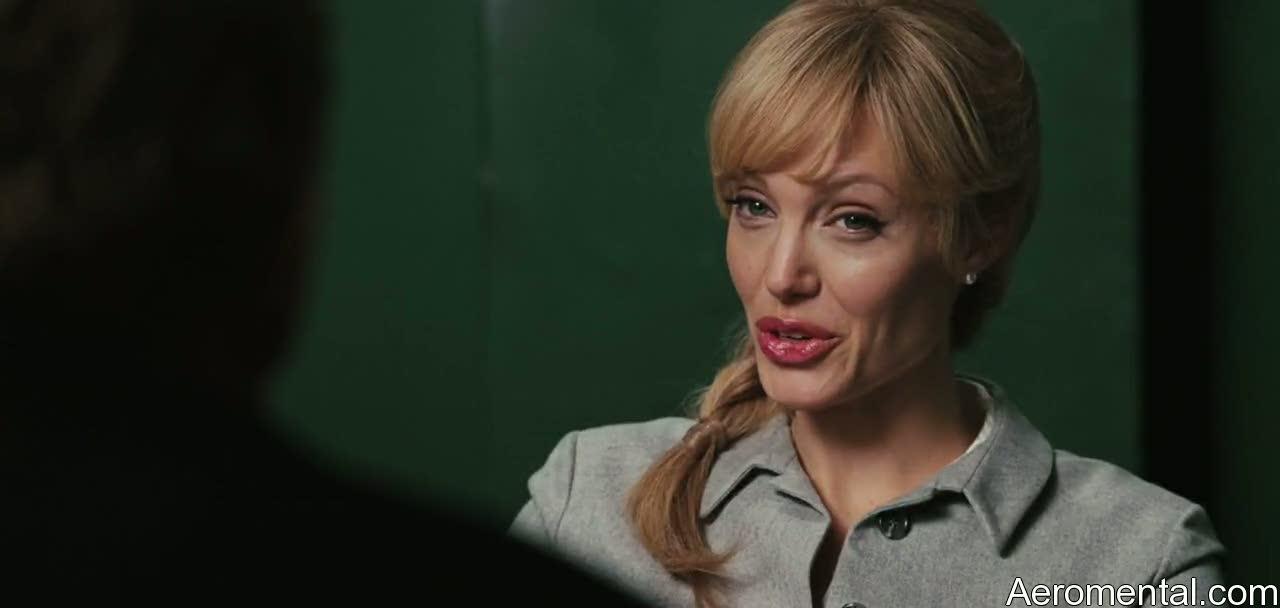 Angelina Jolie Salt labios grandes