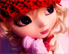 Brrrr... (Tramidepain) Tags: pink winter kite doll gloves blonde groove pullip luts greggia sugarmag obitsu junplanning
