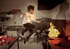 Chiaras Atomicus (João Vecchi) Tags: red kitchen pepper fire jump vermelho salvador fuego chilli dali fogo cozinha phillipe pimenta atomico roso halsman chiaramonte atomicus