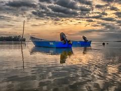IMG_7198 ~ adakah masanya sudah tiba? (alongbc) Tags: sunrise morning fishingboats fishingvillage sea water sky clouds jubakarpantai tumpat kelantan visitkelantan tourismkelantan malaysia travel trip places canon eos700d canoneos700d canonlens 10mm18mm wideangle