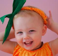 Tribute to AliDaDa's (stephalie1977) Tags: portrait halloween pumpkin daughter phoebe hpad 220365 080809 hpad080809 tributetoalidadas