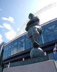bobby moore statue wembley