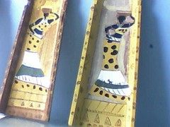 Imagem 011 (A cor do acaso) Tags: ceramica cores artesanato jardim decora cor telas acrilico telha africanas senegalesa senegalesas