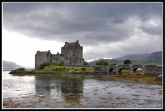 EILEAN DONAN CASTLE, SCOTLAND (IMAGES OF WALES.... (TIMWOOD)) Tags: bridge sea mountains seaweed castle water rain clouds reflections grey highlands memorial sony arches glen used loch alpha eileandonan lochduich a700 vanagram