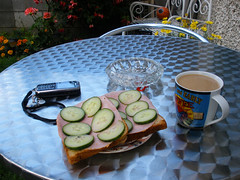 Ham sambos & coffee in the back garden