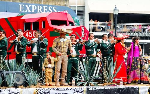 Desfile del Mariachi 29 Agosto 2009, Guadalajara Jalisco Mexico por raulmacias.