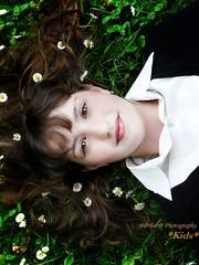 Summer dreams (B@rbar@ (Barbara Palmisano)) Tags: portrait girl face hair kid eyes meadow lips occhi camicia daisy fiori prato ritratto ohhh ragazza capelli margherite labbra golddragon mywinners