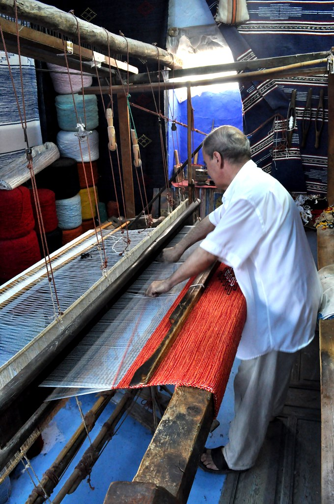 Rug making in Chefchaouen
