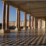 Parc du Château de Versailles: Péristyle du Grand Trianon