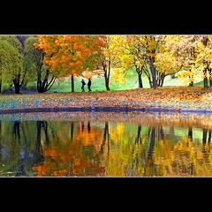 Golden Autumn reflection (JannaPham) Tags: park autumn red orange reflection green love water colors yellow canon garden walking landscape eos golden couple russia moscow lovers 5d kolomenskoye markii    project365  117365  jannapham