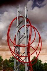 Visin; dibujando en el aire (Angel Villalba) Tags: red tower angel wire rojo torre curves cable straight electrical curvas villalba electrica rectas anvifo