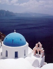 45. Santorini (Di's Eyes) Tags: travel blue sea architecture peace roofs greece serene tranquil whitewash mediteranean blueroofs ssantorini canoneoselan2e