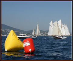 redblueyellow in Saint-Tropez (mhobl) Tags: blue red yellow boats sailing moonbeam sainttropez tuiga