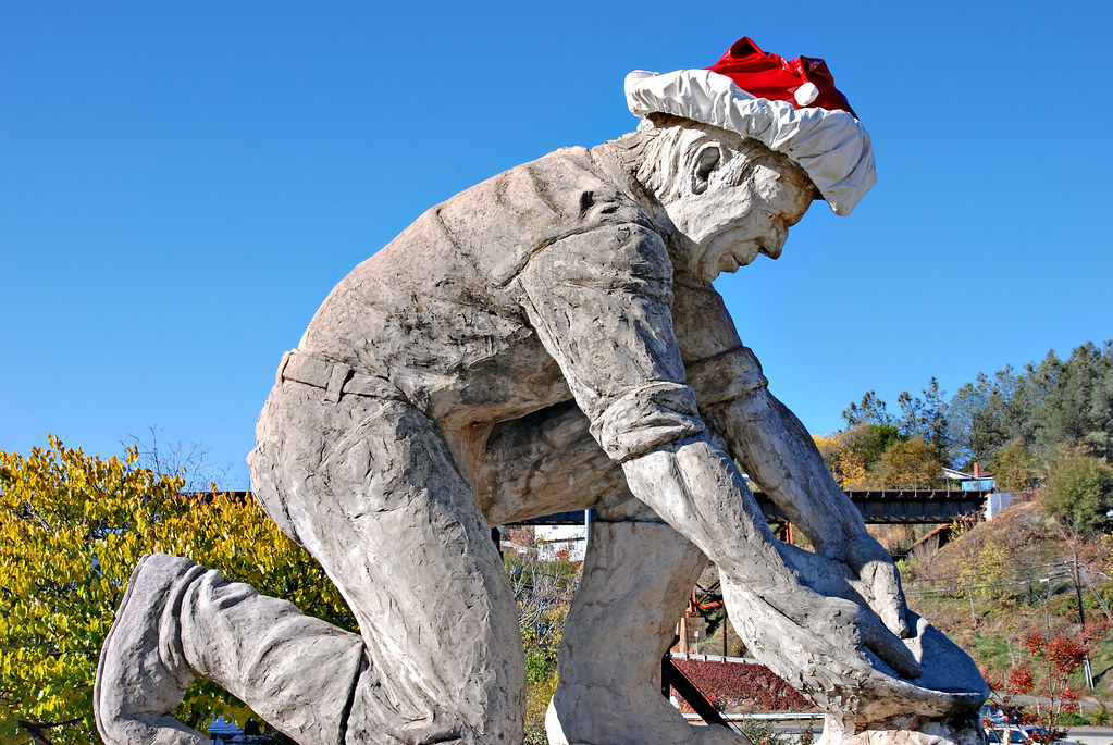 Gold Miner with Santa Hat