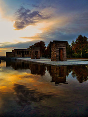 Mammisi (roi alonso) Tags: madrid sky espaa reflection water colors clouds de temple spain agua cielo nubes reflejo egipto templo debod egipcian mammisi artofimages bestcapturesaoi