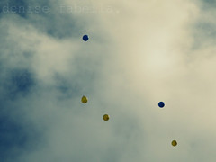 you'll be on my mind. (Denise Fabella (MOVED.)) Tags: sky balloons grandfather jru