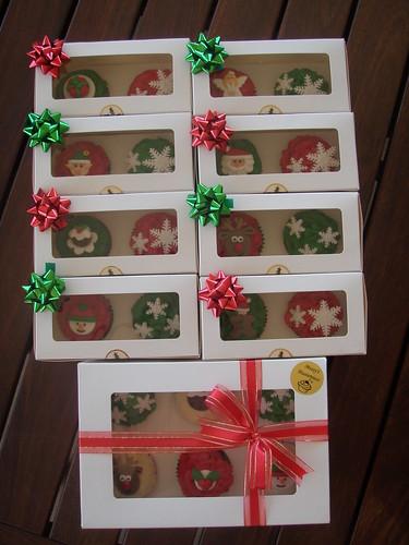 Masterpiece do Mossy - bolos de lama Natal em caixas para presente