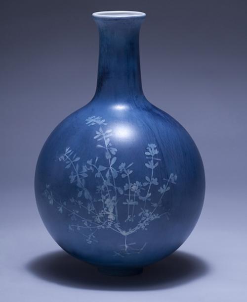 bluevase2.jpg