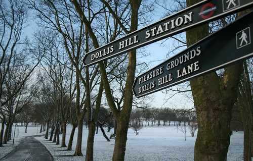 Sign to Dollis Hill