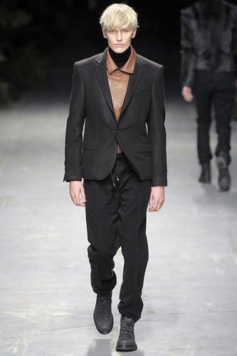 Gerhard Freidl3071_FW10_Milan_Costume National(diorboy@mh)