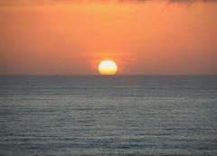 Por do sol / Sunset (antoninodias13) Tags: pordosol portugal azul mar alentejo horizonte contemplação abigfave anawesomeshot colourartaward theperfectphotographer ilustrarportugal flickrestrellas silêncios grouptripod gunununilyisi mygearandme