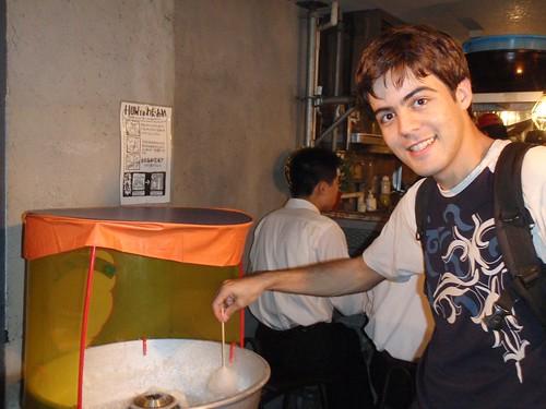 Algodón de azúcar en restaurante de ramen