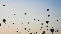 bristol balloon fiesta time lapse #3 (lomokev) Tags: morning sky canon balloons bristol eos timelapse video balloon hotairballoon 5d hotairballoons bristolballoonfiesta internationalballoonfiesta canoneos5d bristolinternationalballoonfiesta bristolballoonfiesta2009 bristolinternationalballoonfiesta2009 internationalballoonfiesta2009 balloontimelapse