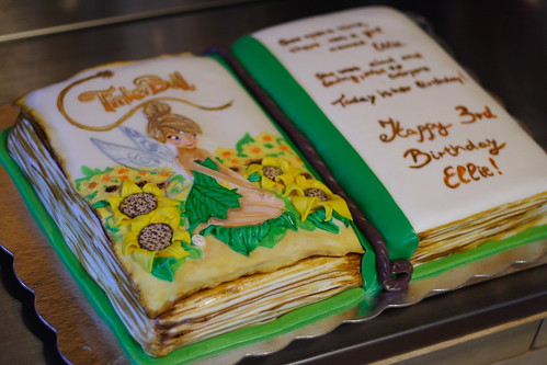 Ellies3rd Bday cake054