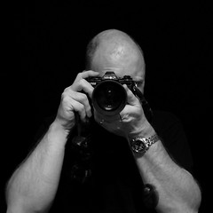 Minolta X700 (Studio d'Xavier) Tags: camera bw slr square photographer minolta minoltax700 blackground 365 2009 x700 500x500 hip2bsquare
