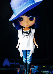 She rocks! (TURBOW) Tags: rock doll acid blythe neo bluehair takara limitededition aa tomy cwc artattack 3rdanniversary dollmofee