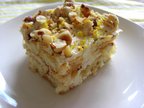 Lemon tiramisu with hazelnuts