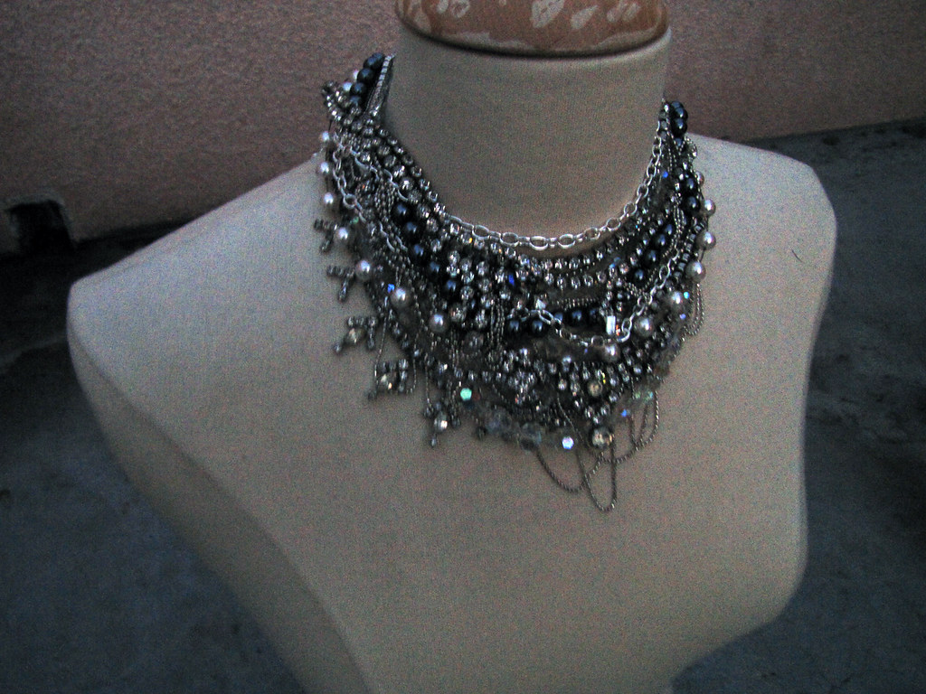 DIY-Tom-Binns-rhinestone-chains-pearl-chunky-choker-collar-necklace-11
