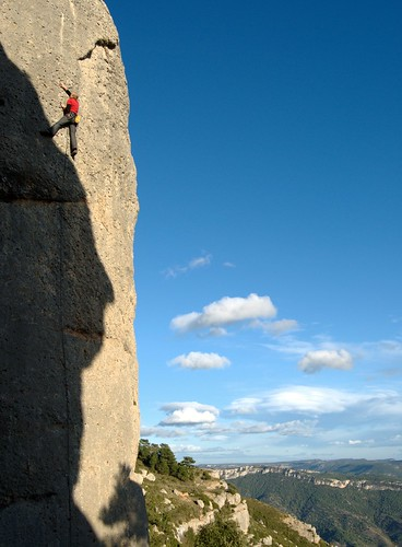 Montsant - Me on-sighting a 6b+