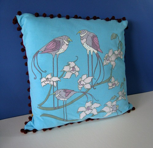 Strange Birds T-pillow