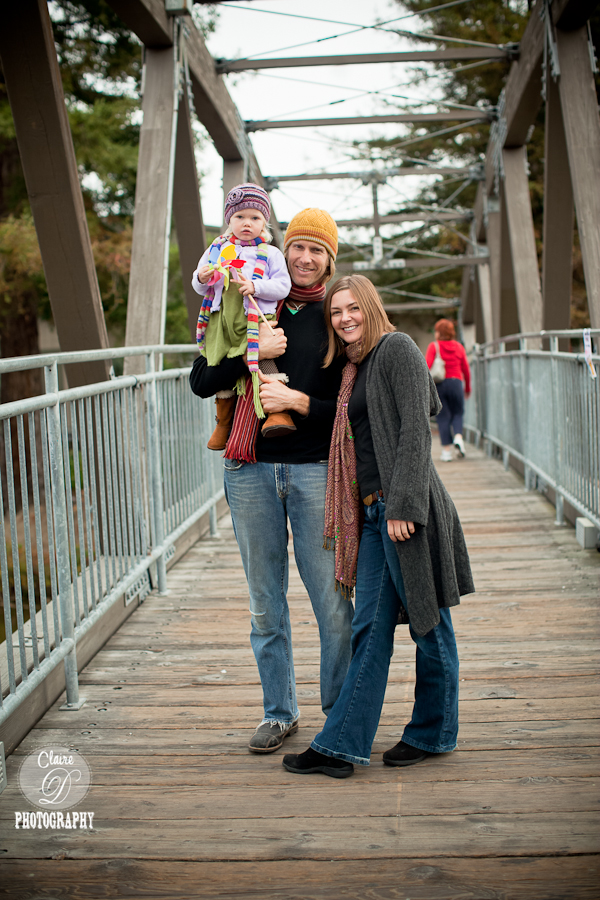 beautiful family photo on the peatluma river bridge